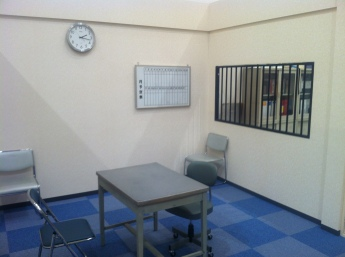 japanese_police_interrogation_room_-_movie_set_-_october_2014